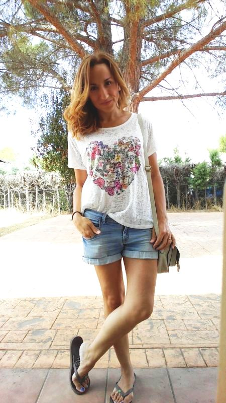 Camiseta estampada y shorts Palomatrends
