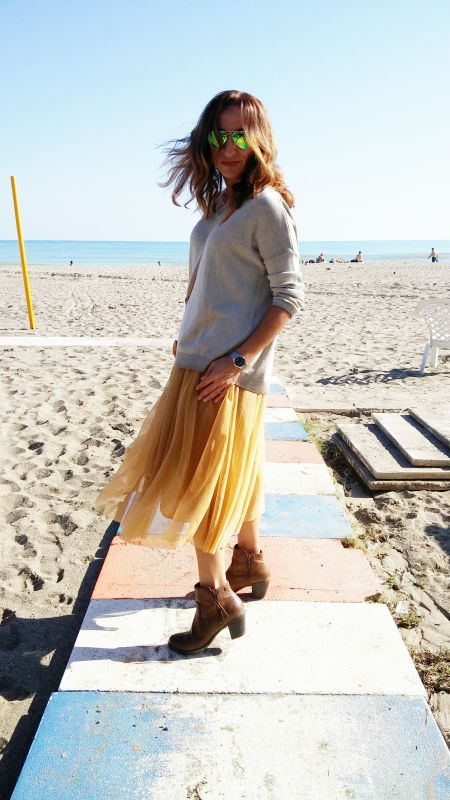 Falda de tul dorada