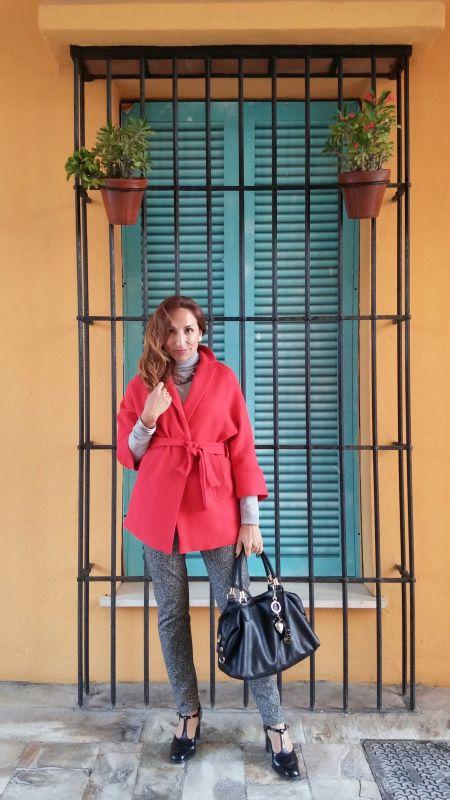 Abrigo rojo PalomaTrends