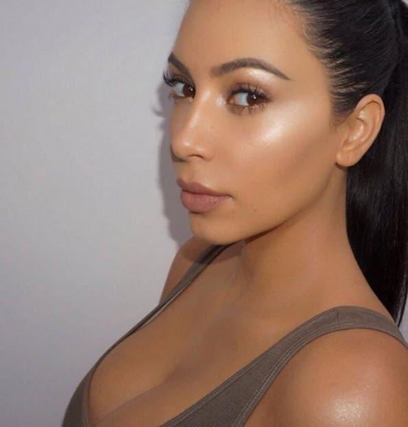 Strobing Kim Kardashian